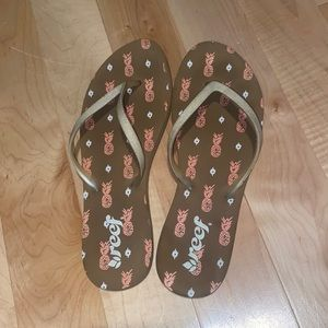 Reef flip flops, only worn a couple times